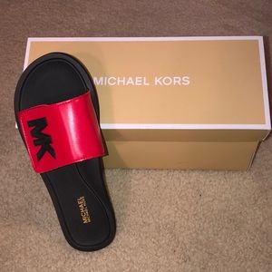 Michael Kors sliders
